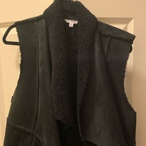 BB Dakota black vest, size L